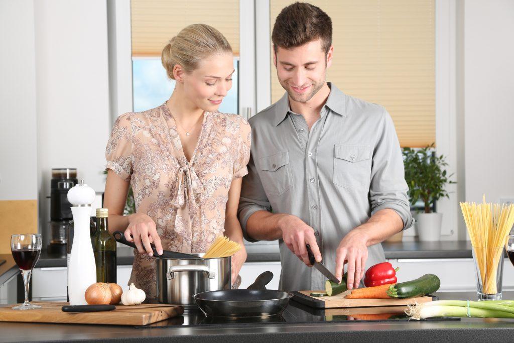 cozinhar não deixe o casamento cair na rotina