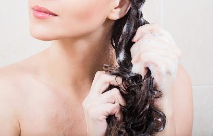 lavar o cabelo agua morna inverno